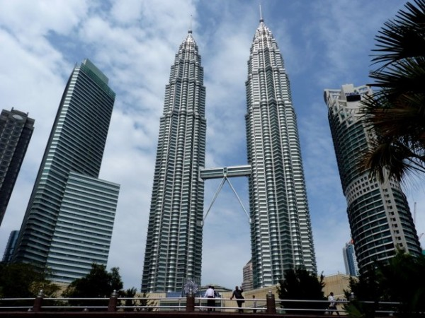 petronas-tower-2-1410449395549