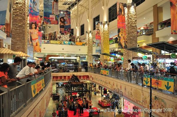 Mua sắm thỏa thích tại Phuket