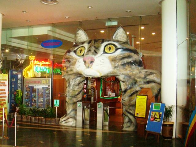 """Ghé thăm """"thành phố mèo"""" ở Malaysia"""