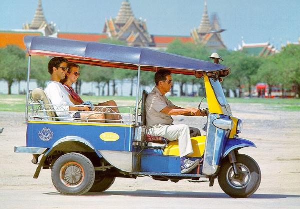 Vé máy bay đi Phuket bao nhiêu tiền