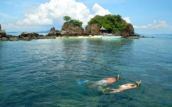 Lặn biển ở đảo Phi Phi