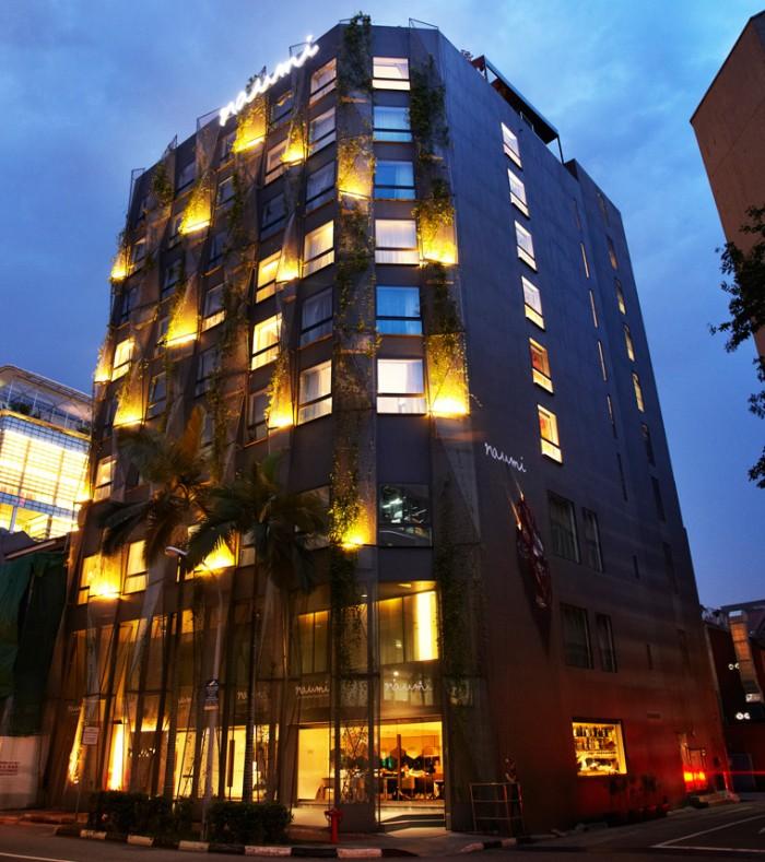 Khách sạn Naumi