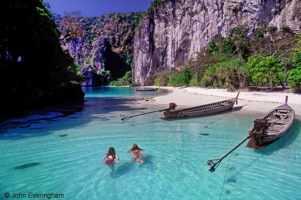 Thailand_Krabi_Koh_Hong_beach__girls_2113_1