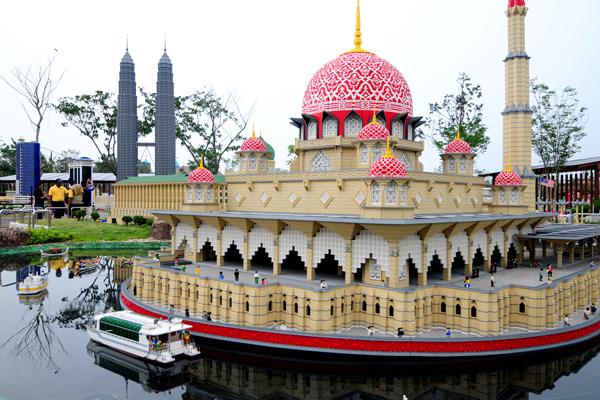 nhung-cong-vien-giai-tri-doc-dao-nhat-malaysia (1)(1)