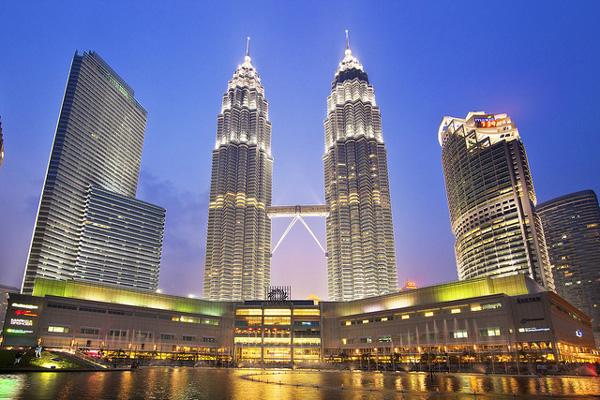 Thap-doi-Petronas-Malaysia(1)