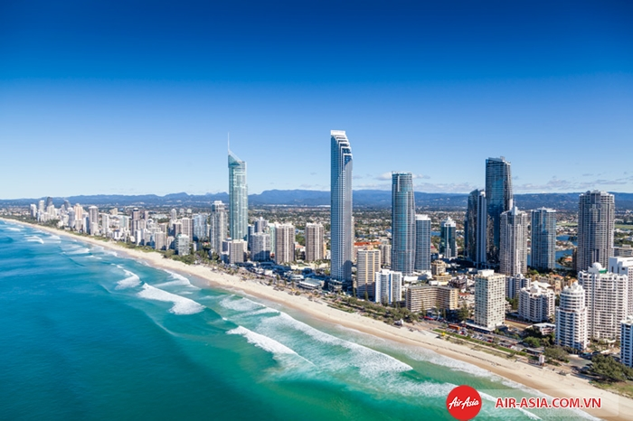Gold Coast gây ấn tượng với bờ biển dài xanh ngắt