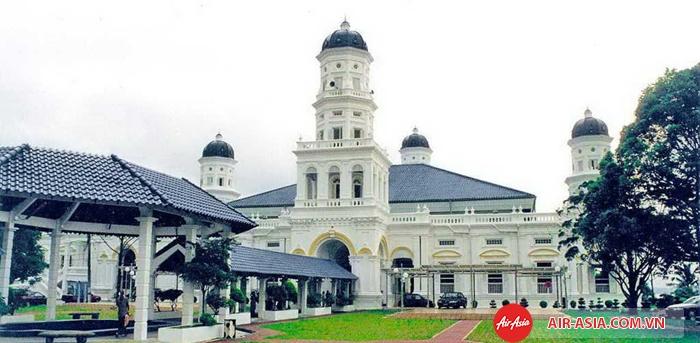 Nhà thờ Hồi giáo Sultan Abu Bakar ở Johor Bahru