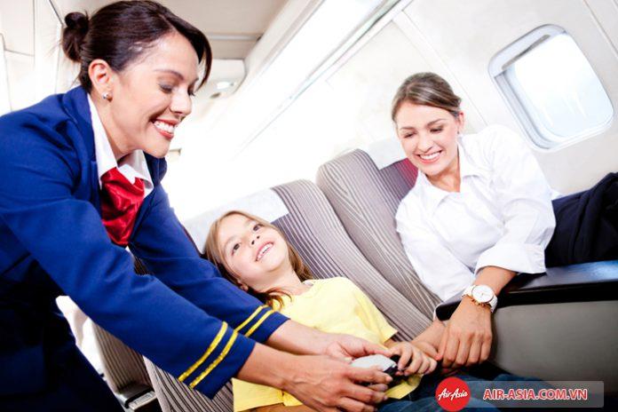 Hành khách là trẻ nhỏ trên chuyến bay