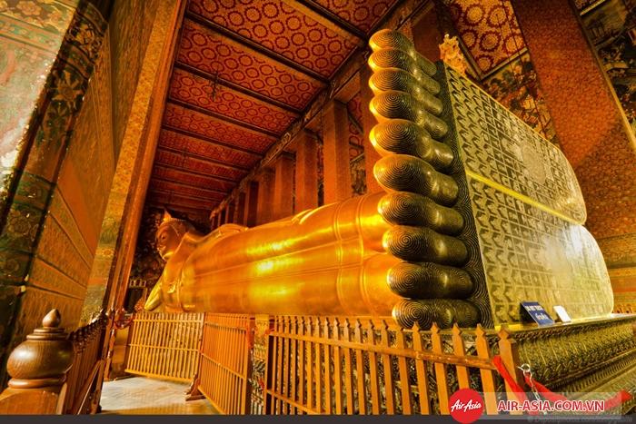 Tượng Phật nằm hoành tráng ở Wat Pho