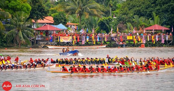 lễ hội đua thuyền Sarawak Regatta