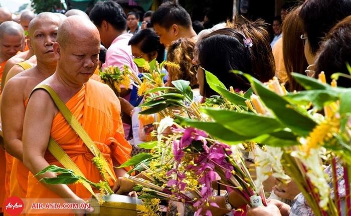 Lễ hội Wan Khao Phansa