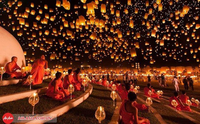 Thả đèn trời ở Chiang Mai