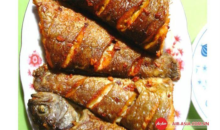 Món cá cay đậm chất ẩm thực Indonesia