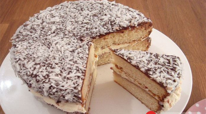 Bánh Laminhton - Món ngon nổi tiếng tại Úc