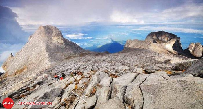 Cảnh đẹp kì vĩ ở núi Kinabalu