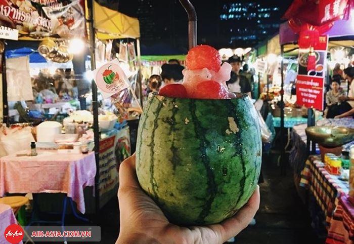 Nhiều khu chợ đêm nổi tiếng ở Bangkok
