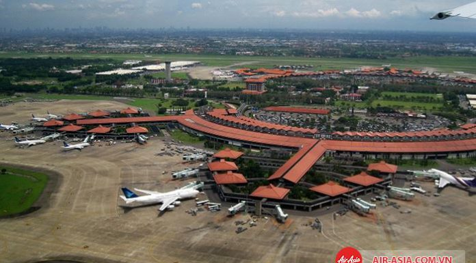 Sân bay quốc tế Soekarno-Hatta đi vào hoạt động 1985