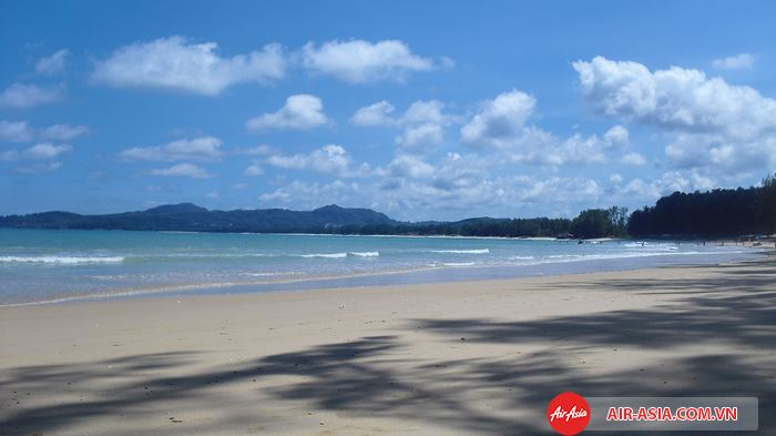 Nai Thon Beach là bãi biển dài hơn 1km